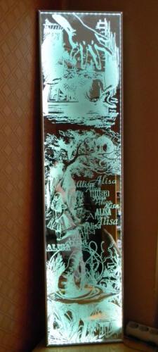 гравировка на зеркале, выполненно с подсветкой